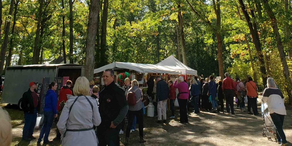 Crowd at past Lambton Fall Colour & Craft Festival